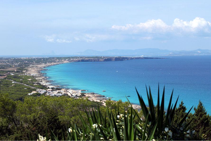 Vista panorámica de Formentera desde La Mola